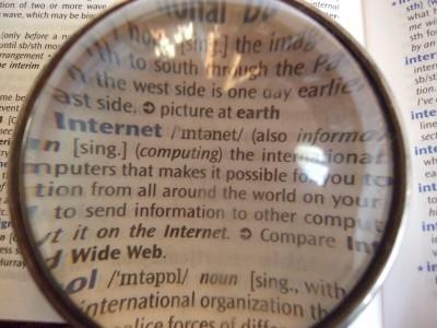 Dictionary_through_lens